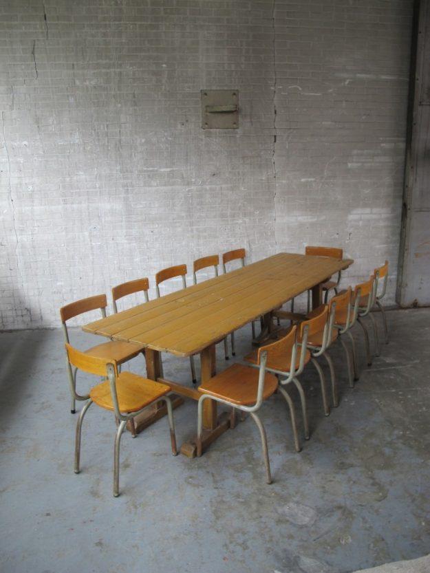 Lange brocante Tubax Schagen tafel met 12 Tubax stoelen jaren 60