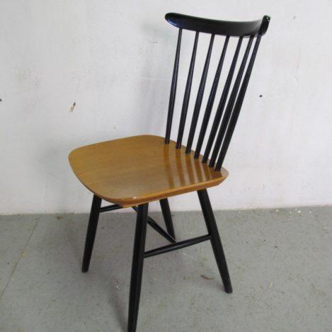 Diverse Deense Tapiovaara Nesto Pastoe jaren 60 teakhouten spijlen stoelen