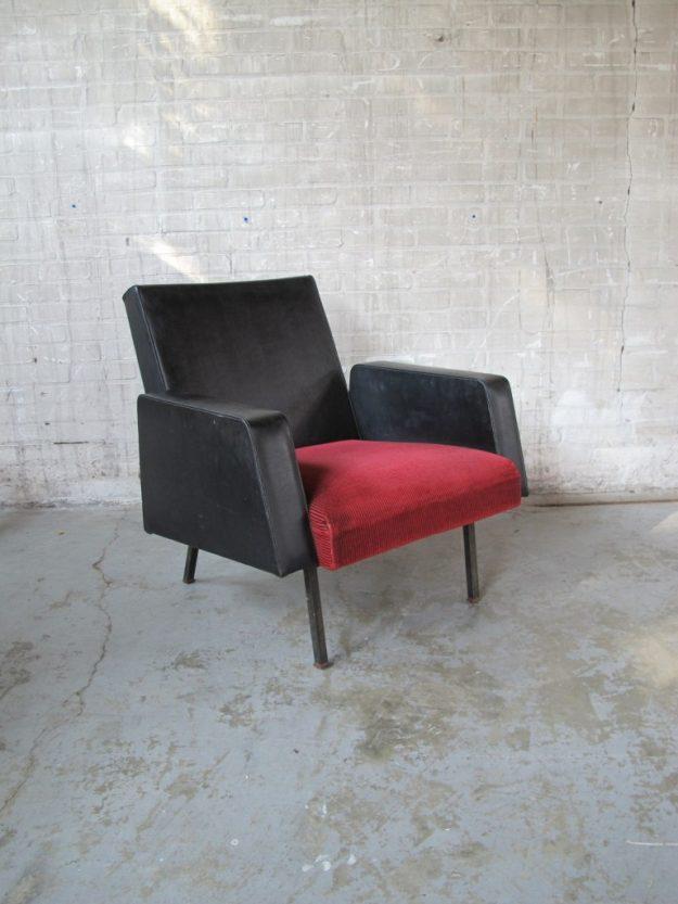 Relax Artifort stijl fauteuil uitgevoerd in skai leder jaren 60