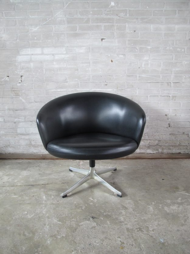 Fauteuil Yngve Ekstrom Rondino swivel chair Swedese 1950