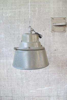 Grote mooie industriële fabriek lampen groot stoer jaren 60