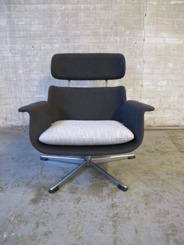 Geoffrey Harcourt king chair