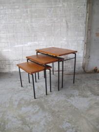pastoe vintage teakhouten nesting tables/miniset