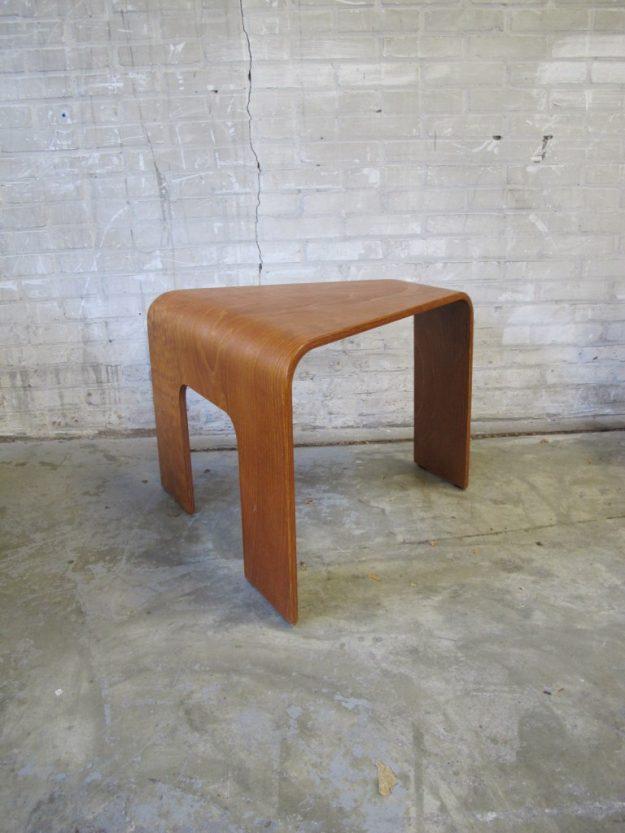 hein stolle driehoek plywood bijzettafeltje