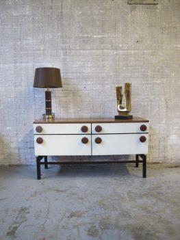 wengé houten dressoir