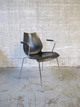 stoelen kartell maui vico magistretti italie kusntof