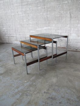 Miniset nesting tables