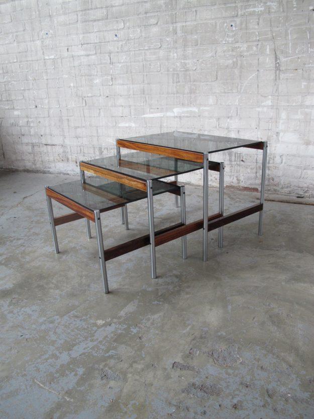 Miniset nesting tables