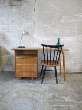 Jaren 50 houten bureau