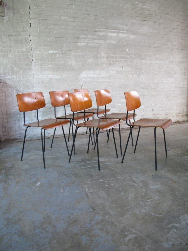 Metalen school stoelen