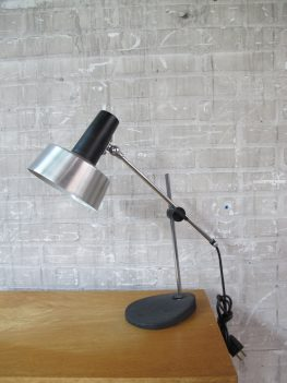 knik arm bureau lamp