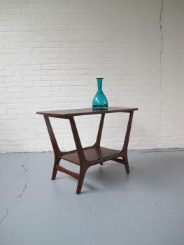 louis van Teeffelen webe hoge salontafel jaren 60