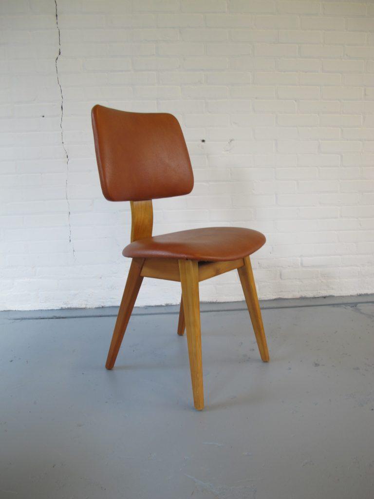 drie stoelen Pastoe Cees Braakman Cor Alons