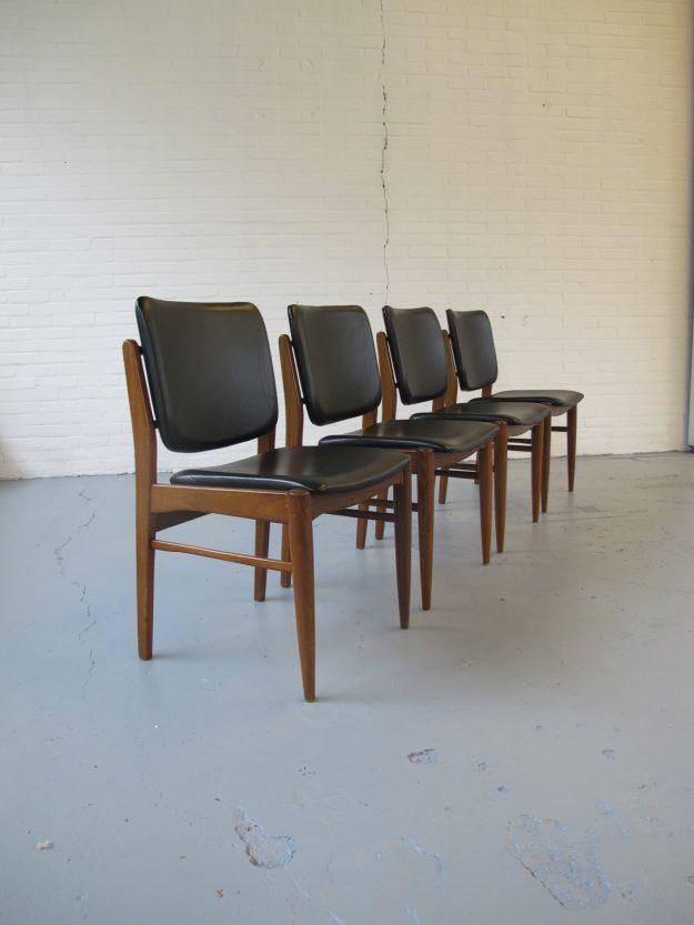 teakhouten stoelen jaren 60 Pastoe Louis van Teeffelen