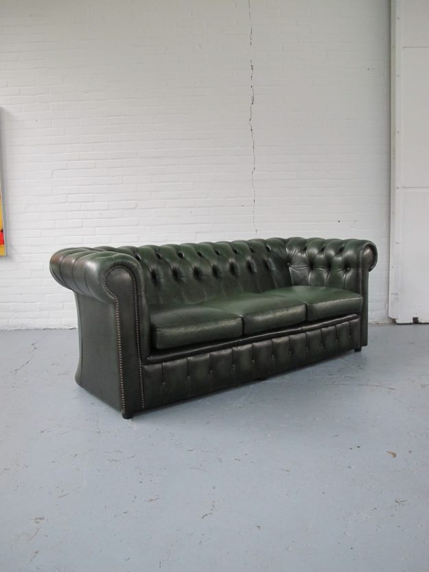 Engelse Chesterfield bank midsentury vintage