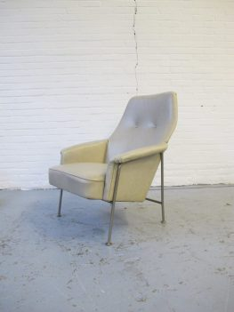 Lounge fauteuil model artifort 162 Theo Ruth for Artifort midcentury vintage