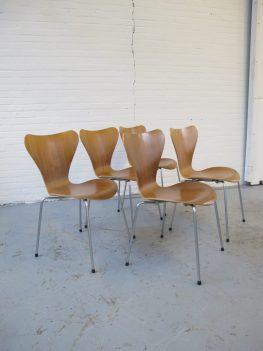 stoel vlinderstoelen Arne Jacobsen voor Fritz Hansen midsentury vintage