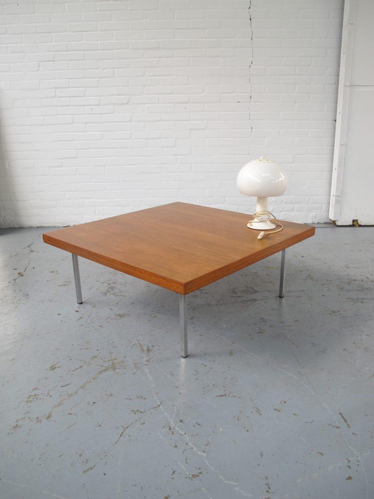 Artifort Design Salontafel.Salontafel Van Kho Liang Ie Voor Artifort In Teakhout Uit De Jaren 60