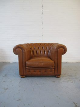 Vintage midcentury fauteuil chesterfield springvale