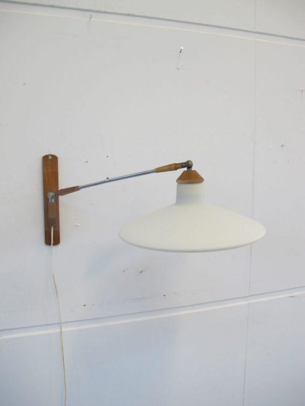 lamp teakhout Philips Louis Kalff wandlamp midsentury vintage