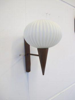 Philips Louis Kalff wandlamp jaren 60 teakhout midsentury vintage
