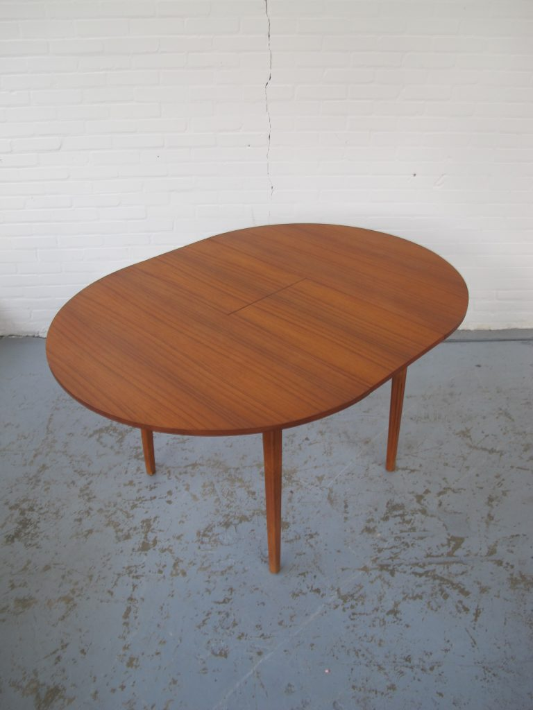 tafel louis van teeffelen stijl teakhouten rond model