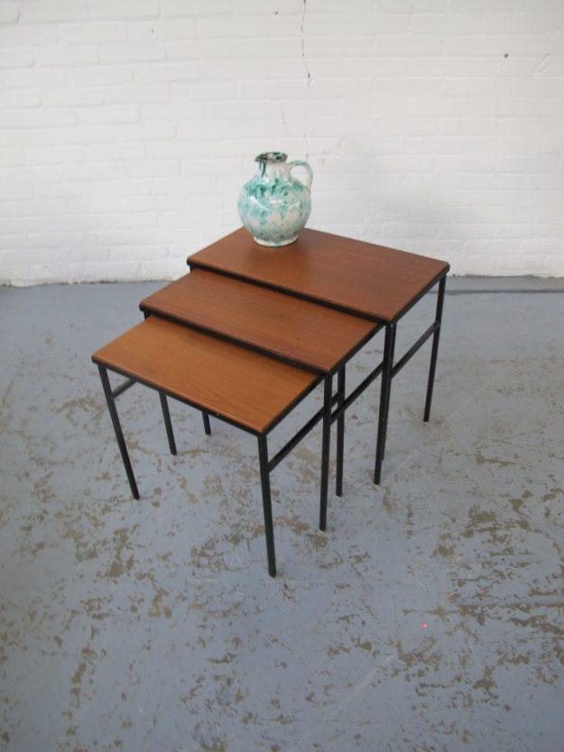 Pastoe teakhouten nesting tables miniset vintage midcentury