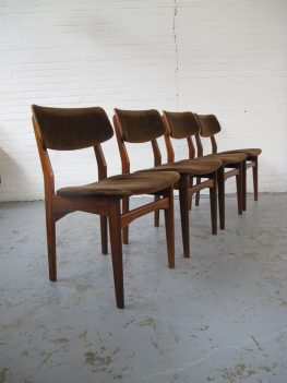 Stoel Louis van Teeffelen pastoe stoelen vintage midsuntury
