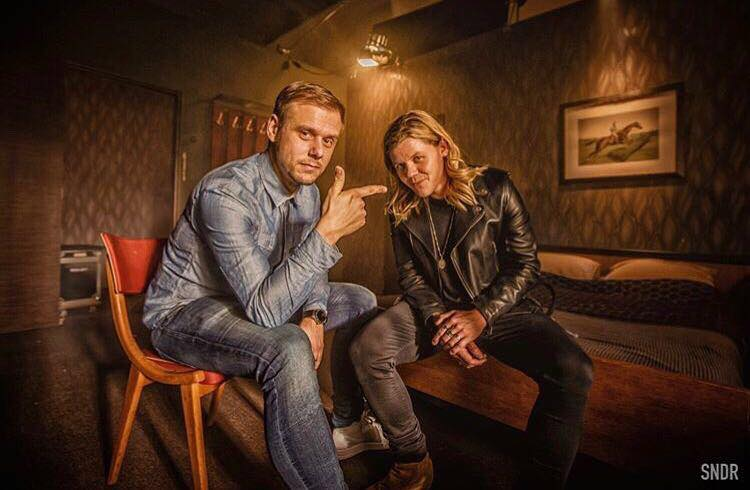 Armin van Buuren Sex Love Water Clip Inboedel Inrichting Interieur 01