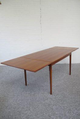 Tafel Niels Otto Møller GP Farum Danmark midcenturymodern midcentury vintage