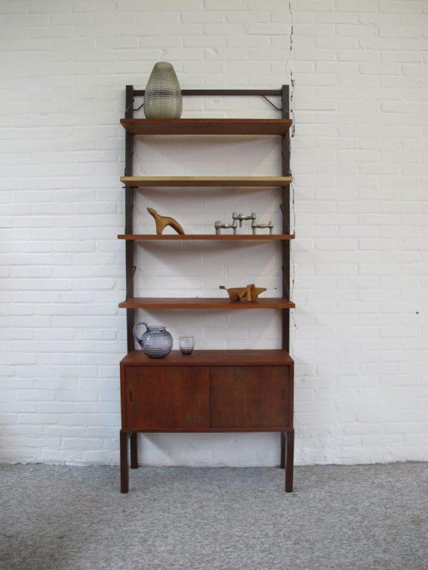 Kast Wandsysteem Poul Cadovius Royal system vintage midcentury
