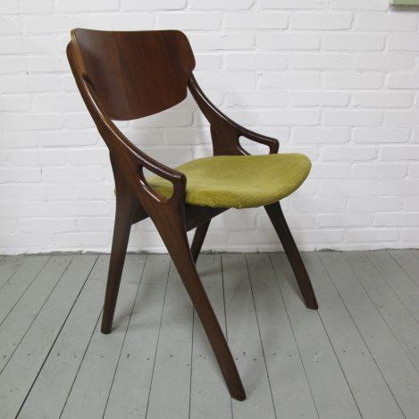 Arne Hovmand Olsen Mogens Kold Teakhouten stoelen midcentury vintage