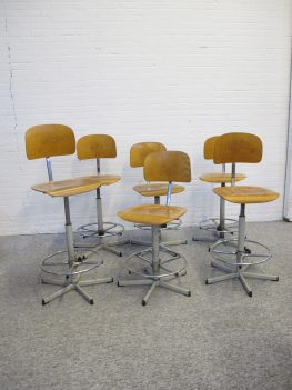 kruk Ahrend de Cirkel Atelier architect krukken vintage midcentury