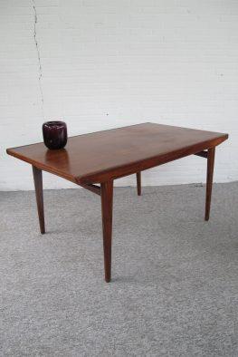 Tafel Johannes Andersen teakhouten eethoektafel vintage midcentury