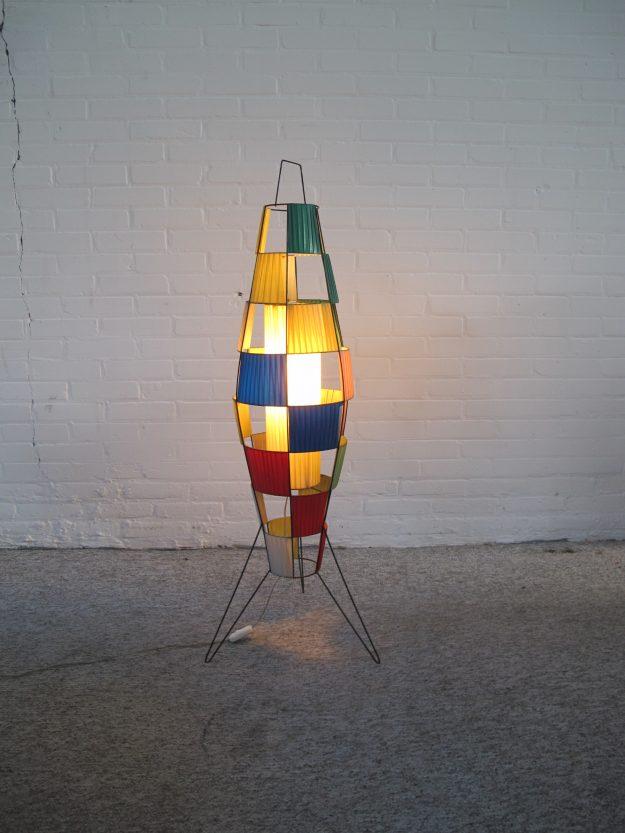 Italiaanse spoetnik space age raket rocket vloerlamp vintage midcentury