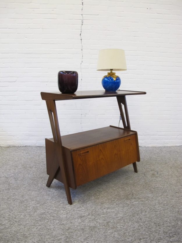 Tafel TV furniture table Louis van Teeffelen Wébé vintage midcentury