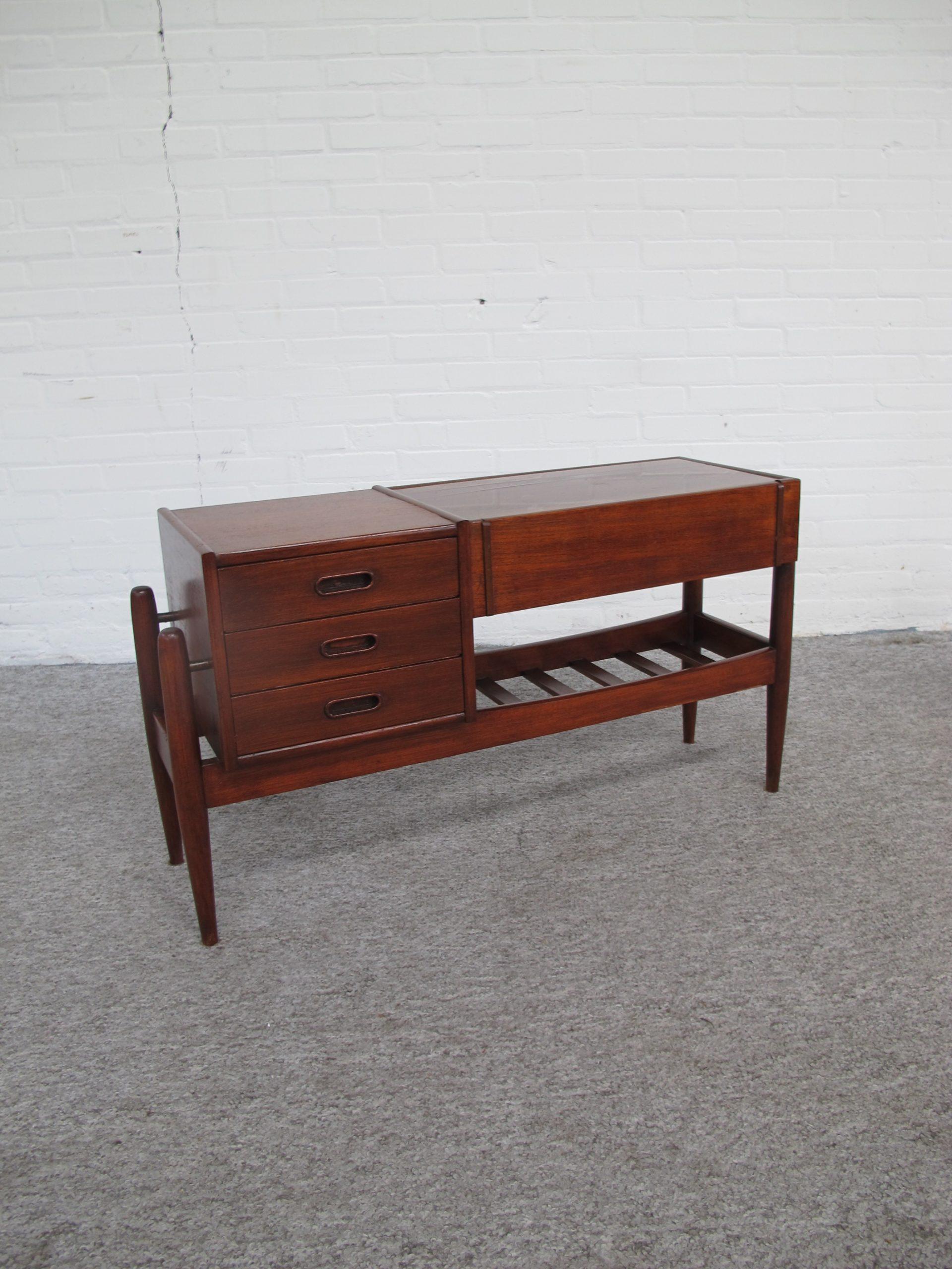 Dressoir Sideboard plant stand kastje Arne Wahl Iversen vintage retro midcentury